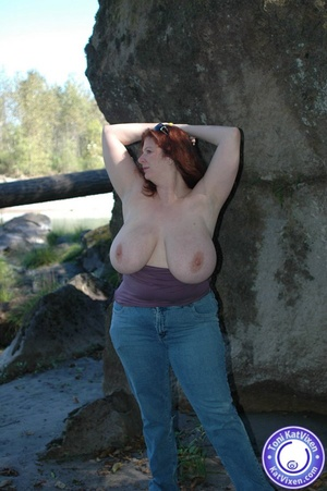 Toni flashing her big tits on a nature h - XXX Dessert - Picture 13