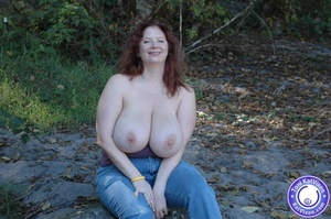 Toni flashing her big tits on a nature h - XXX Dessert - Picture 14