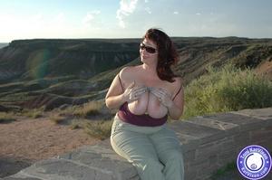 Toni KatVixen has breasts so big her shi - XXX Dessert - Picture 3