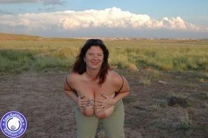 Toni KatVixen has breasts so big her shi - XXX Dessert - Picture 6