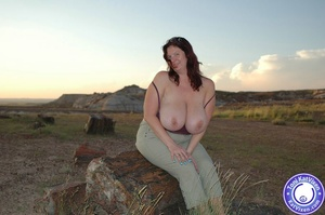 Toni KatVixen has breasts so big her shi - XXX Dessert - Picture 10