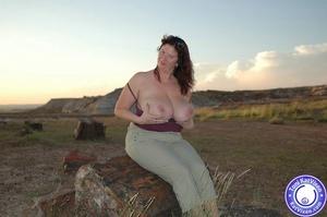 Toni KatVixen has breasts so big her shi - XXX Dessert - Picture 12