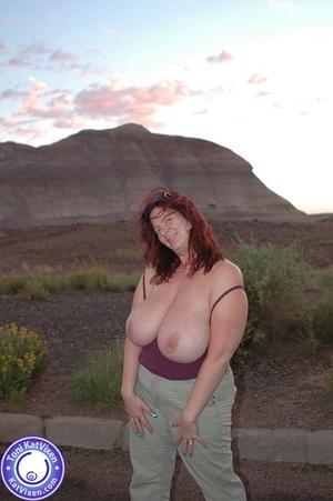 Toni KatVixen has breasts so big her shi - XXX Dessert - Picture 16