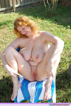 Shaving my pussy outside - XXX Dessert - Picture 10