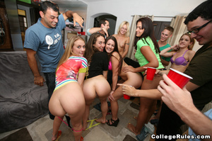 Drunk college girls get wild and start f - XXX Dessert - Picture 3