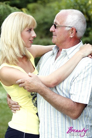 Hairy gray old boy loves cool chicks a l - XXX Dessert - Picture 1