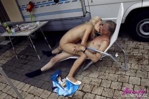 Very hot blonde tee Helen pleasing old b - XXX Dessert - Picture 14