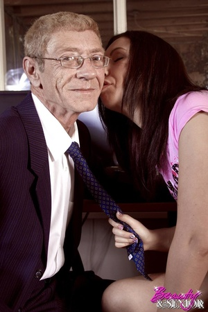 Old man gets suddenly his donkey sucked  - XXX Dessert - Picture 7
