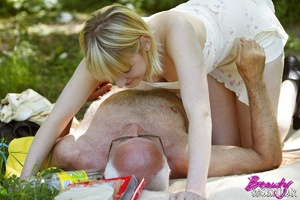 Very hot busty blonde spreads her legs f - XXX Dessert - Picture 5
