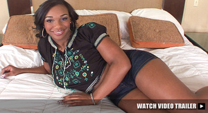 Very hot black teen girls posing on cam  - XXX Dessert - Picture 3