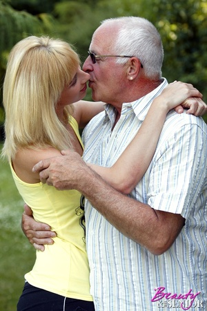 Dirty blonde Nelly seduces old man to di - XXX Dessert - Picture 2