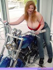 biker babe toni katvixen