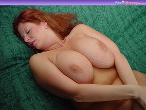 Toni KatVixen Plays With Her Gigantic Ti - XXX Dessert - Picture 1