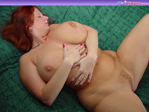 Toni KatVixen Plays With Her Gigantic Ti - XXX Dessert - Picture 10