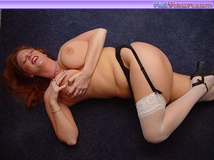 Hot Topless Redhead - XXX Dessert - Picture 9