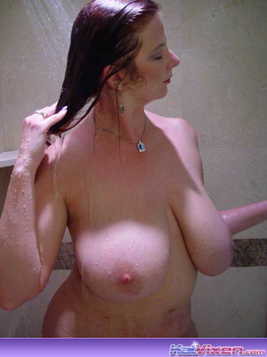 Dirty Toni KatVixen Takes A Shower - XXX Dessert - Picture 3