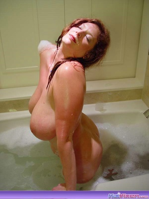 Sexy Toni KatVixen Takes A Bubble Bath - XXX Dessert - Picture 9