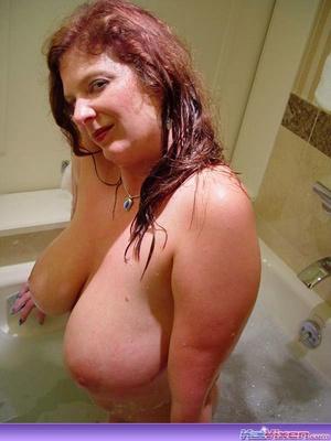 Sexy Toni KatVixen Takes A Bubble Bath - XXX Dessert - Picture 11