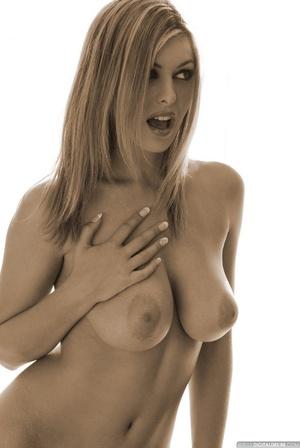 Seductive babe Ginger adores posing nake - XXX Dessert - Picture 1