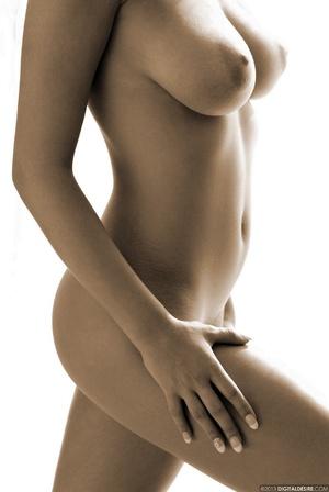 Seductive babe Ginger adores posing nake - XXX Dessert - Picture 9