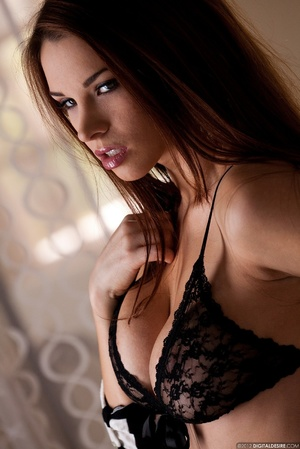 Busty ginger chick in black lace lingeri - XXX Dessert - Picture 3