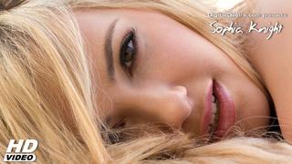 hot blonde babe spreads