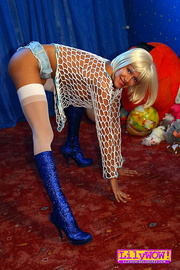 dirty blonde milf blue