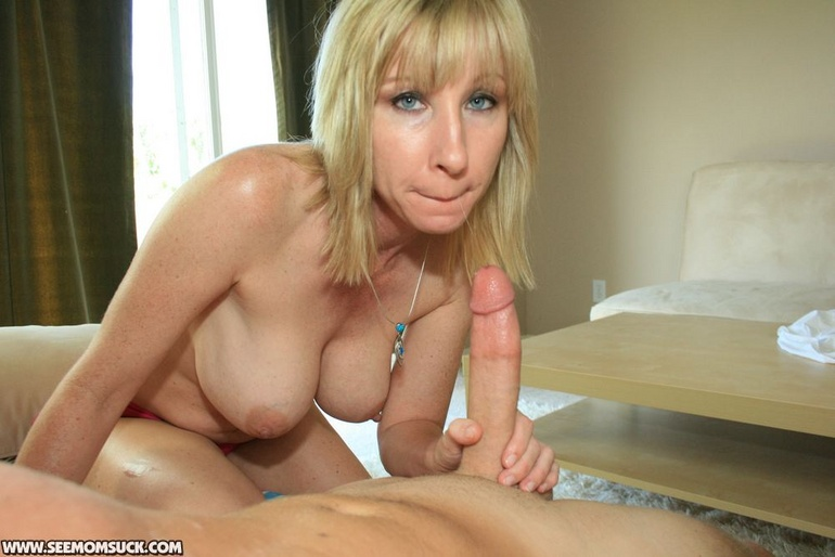 Milf Bikini Videos 843 | Busty blonde slutty milf in a pink