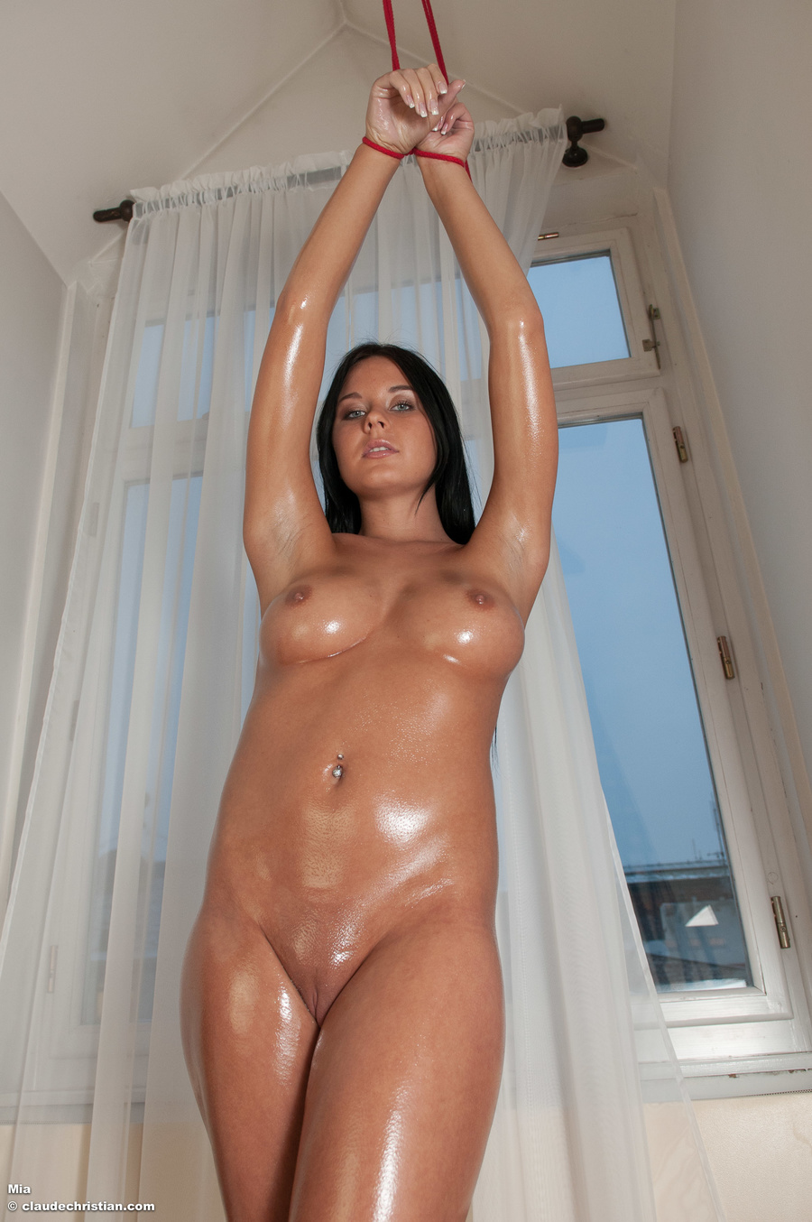 hot-oily-horny-naked-females-naked