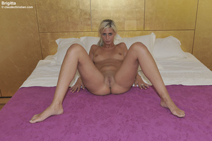 Nasty ponytailed blonde in white stockin - Picture 2