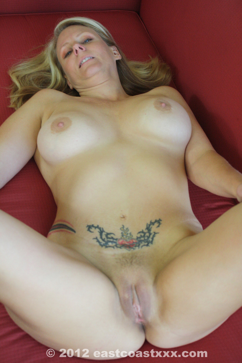 Amateur Blonde Milf Homemade