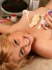 Naughty blonde teen playing with cream oiling her chubby - Picture 7