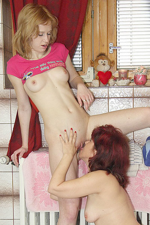Awesome pics with a family couple seduce - XXX Dessert - Picture 13