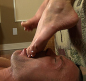 Dude gets horny when sucking his GF's toes in awesome feetfetish porn