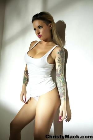 Good-looking tattooed pornstar in a whit - XXX Dessert - Picture 2