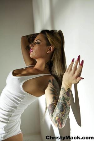Good-looking tattooed pornstar in a whit - XXX Dessert - Picture 9