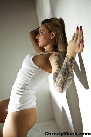 Good-looking tattooed pornstar in a whit - XXX Dessert - Picture 10