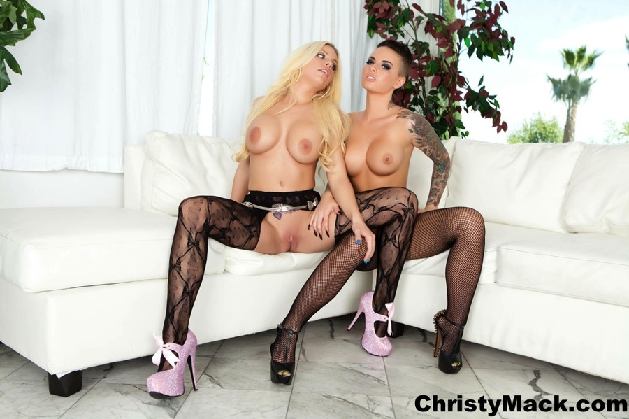 Blonde and brunette dykes in sexy stockings - XXX Dessert - Picture 1