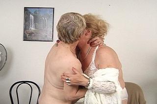 lesbian grannies fondling cooches