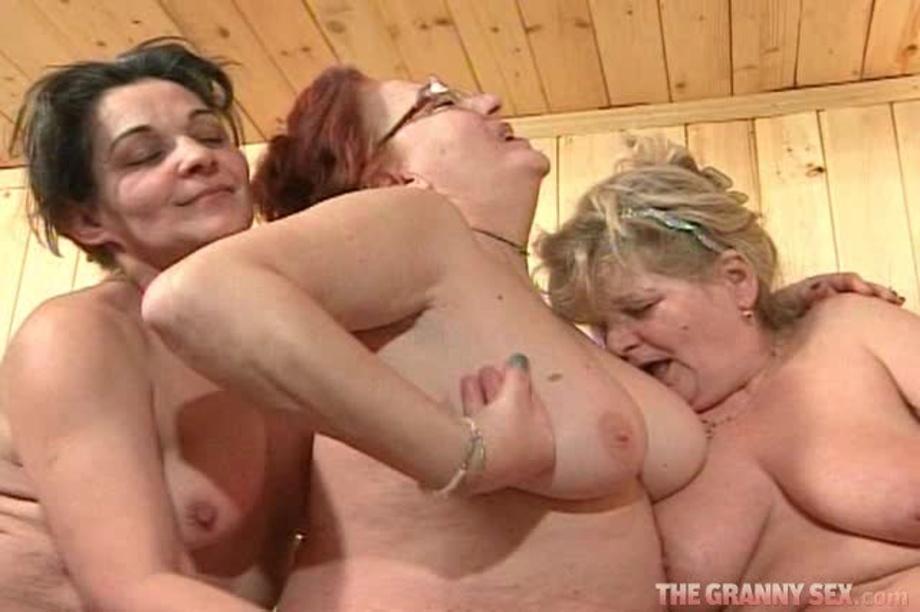 Sauna girls