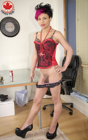 Swarthy Nicki with black and pick hair p - XXX Dessert - Picture 8