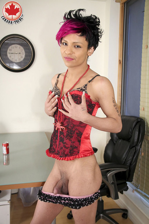 Swarthy Nicki with black and pick hair p - XXX Dessert - Picture 9