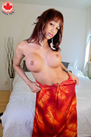 Swarthy red shemale with big boobs in a  - XXX Dessert - Picture 5