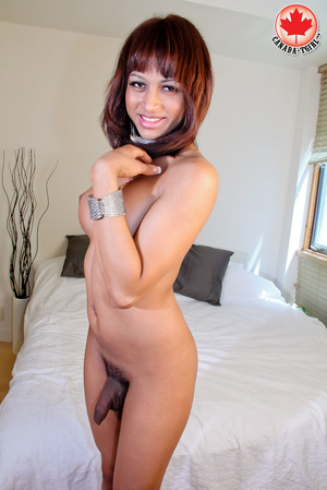 Swarthy red shemale with big boobs in a  - XXX Dessert - Picture 7