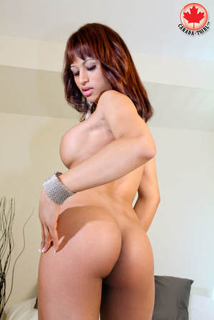 Swarthy red shemale with big boobs in a  - XXX Dessert - Picture 9