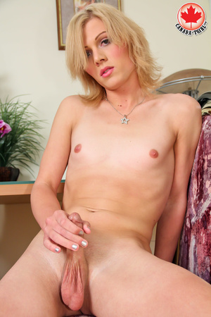 Dirty blonde tranny in a jeans skirt and - XXX Dessert - Picture 13