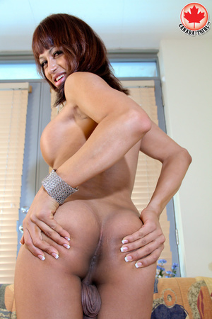 Swarthy shemale in sexy dress takes it o - XXX Dessert - Picture 13