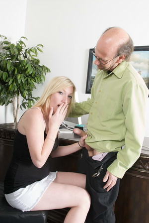 Bald old fart in glasses seduces dirty b - XXX Dessert - Picture 11