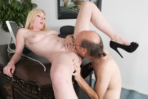 Bald old fart in glasses seduces dirty b - XXX Dessert - Picture 16
