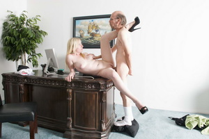 Bald old fart in glasses seduces dirty b - XXX Dessert - Picture 17